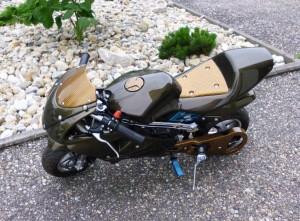 Pocketbike mit Wassertransferdruck veredelt
